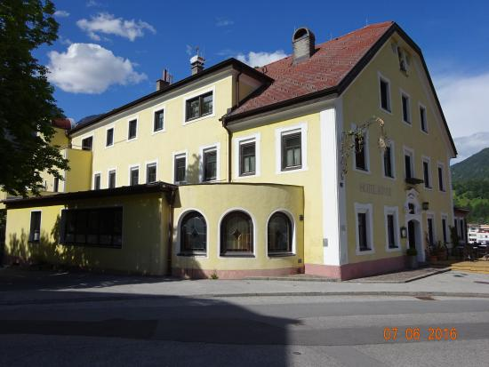 Hotel Sonne: Front of Hotel