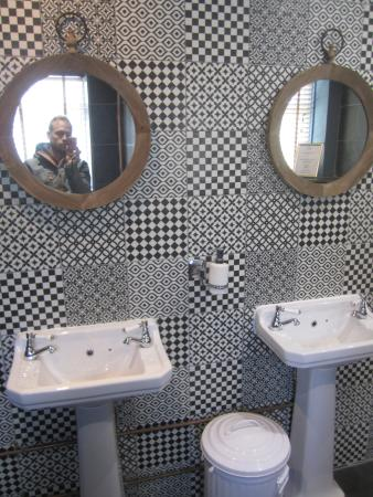 Oakhill, UK: El bonito lavabo