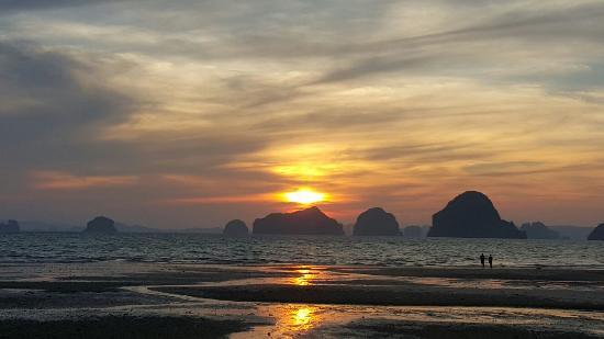 Anyavee Tubkaek Beach Resort : 20160411_182403_large.jpg