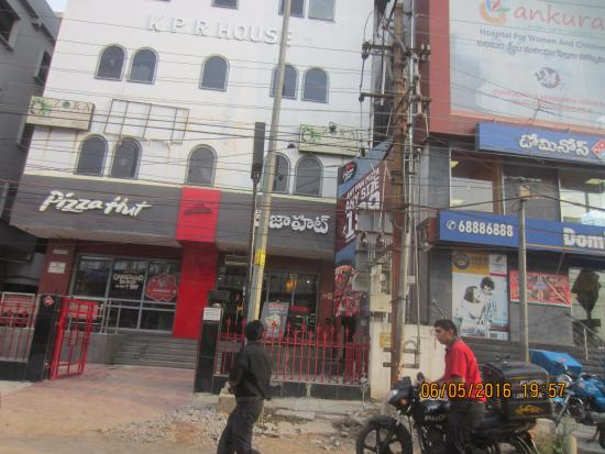 Hotel Surya Residency: Pizza Hut is a small distance away