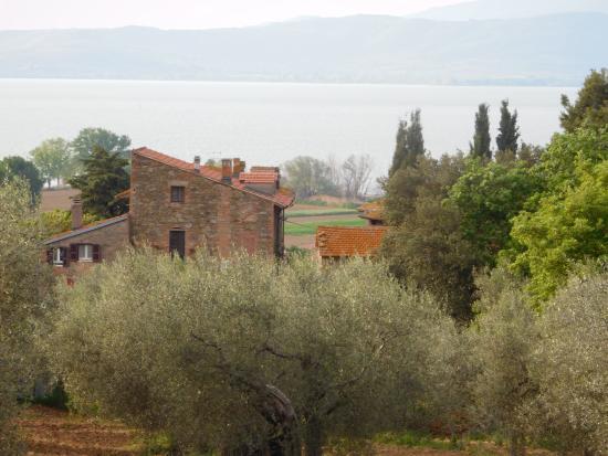 Trattoria di campagna Borgo Cenaioli: il borgo
