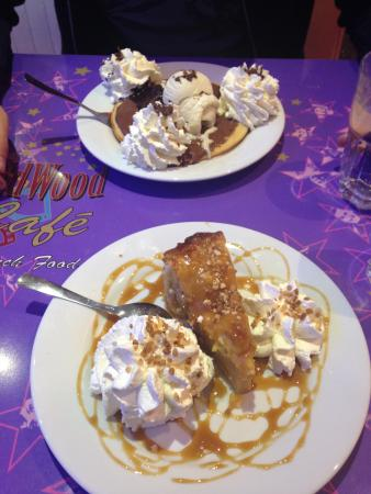 Ed Wood Cafe : Dessert pancakes et tarte aux pommes