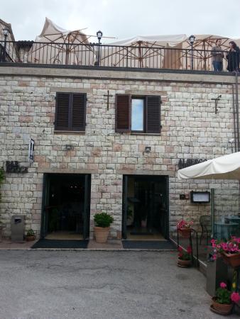 La terrazza del Ristorante La Rocca - Picture of La Rocca Hotel ...