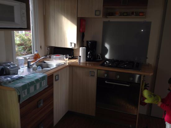 Siblu Villages - Le Bois Masson : cuisine agréable et fonctionnelle