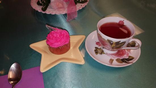 Let's Pretend Tea Parties: 20160608_104446_large.jpg