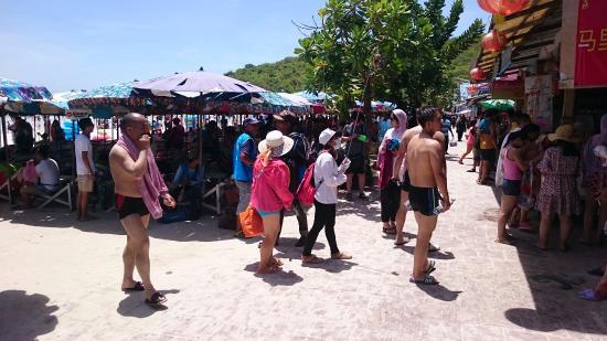 Ko Lan, Tailandia: People