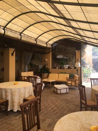 Eremo delle Grazie: Sala ristorante con veranda