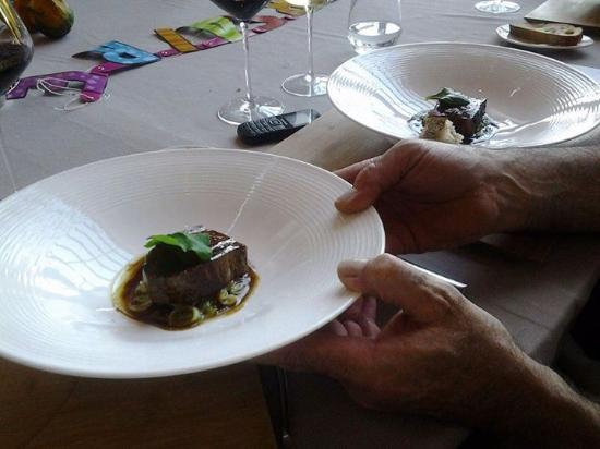 Belesta, ฝรั่งเศส: Faux filet de race Montbéliard rôti au poivre de Tasmanie