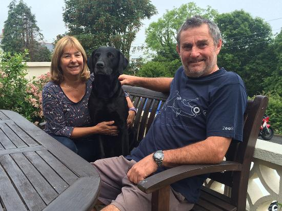 Woodside Bed & Breakfast: Alison, Buster & Orry. The perfect hosts