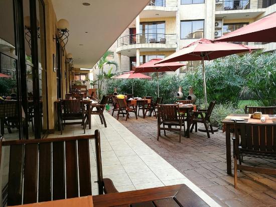 Protea Hotel Kampala: Portea hotel compound