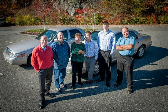 Airport Transportation in the North Shore MA - Picture of