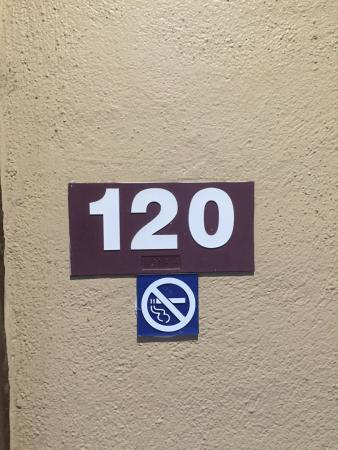 Red Roof Inn Edgewood : Room 120