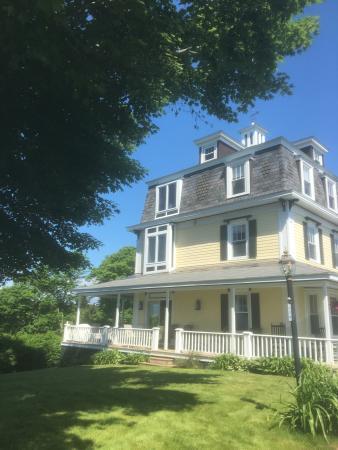 Harbor House Inn: photo2.jpg