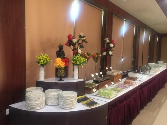 buffet setup - Picture of Lariya Resort, Jodhpur - TripAdvisor
