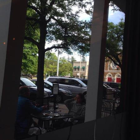Clinton, NY: the street view from our table