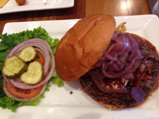 Kirkwood, MO: blue ribbon burger from Five Star Burger