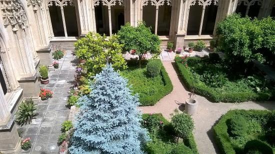 santa iglesia catedral primada de toledo jardines exteriores