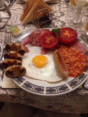 Courtfield Hotel: Breakfast room and lovely breakfast