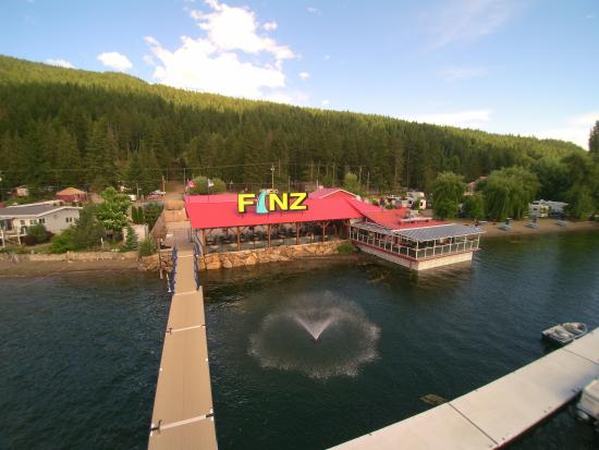 Finz Bar and Grill: Gas Dock and Marina
