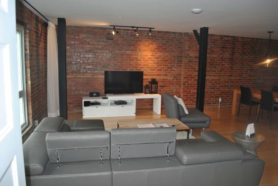 Les Lofts Saint Joseph: Apartment # 404 Lounge Area