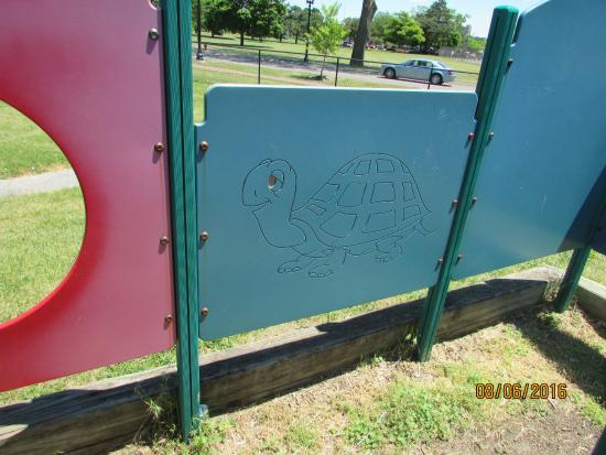 Randall Wickes Children's Playground: A panel in the maze