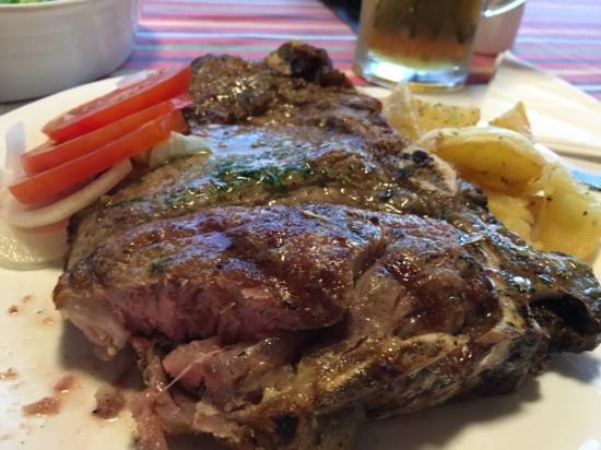 Prazeres, Πορτογαλία: Das perfekte T-Bone-Steak, lecker!