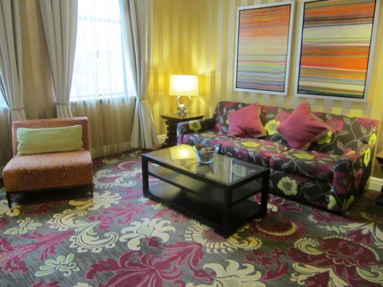 Kimpton Hotel Monaco Baltimore Inner Harbor: Lobby/Lounge