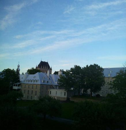 Le Champlain Hotel: View from Room 26.