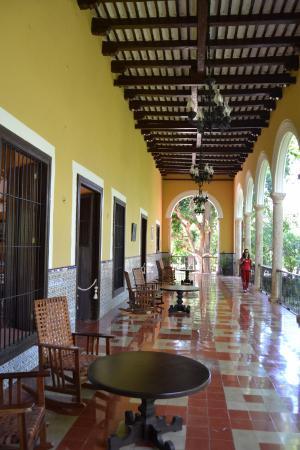 Hacienda Sotuta De Peon: Terrazza Della Casa Coloniale