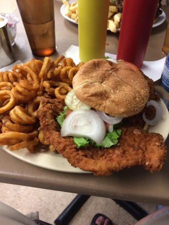 Victoria's Country Diner