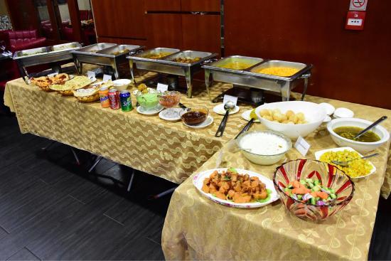 Excellent Lunch Buffet Picture Of Moti Palace Indian Restaurant Beutiful Home Inspiration Semekurdistantinfo
