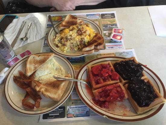 Neillsville, WI: My mom had a coupon so we spent $20, which was actually quite difficult. Cheap food can be good