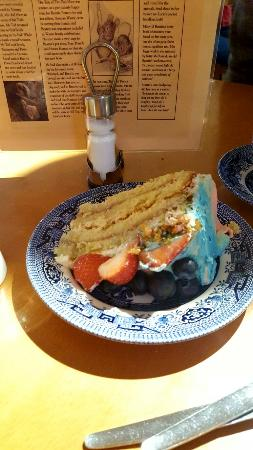 Bowness-on-Windermere, UK: Great place...try the cakes!