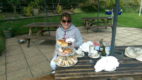 The silent Woman Inn: Lovely afternoon tea today. Thank you so much we really enjoyed it.