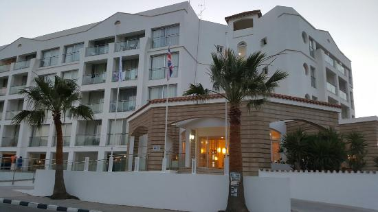 Anastasia Beach Hotel: 20160601_195734_large.jpg