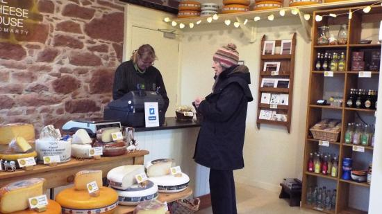 Cromarty, UK: A friendly welcome and a terrific selection of products