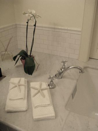 Closeup of the bathtub (it's all in the details)