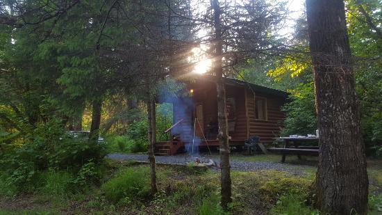 Alaska Creekside Cabins: 20160607_202708_large.jpg