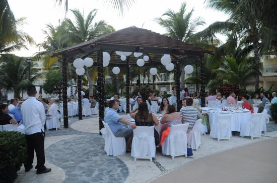 Azul Beach Resort Tui Sensatori Riviera Cancun Wedding Reception Area Zavas Plaza