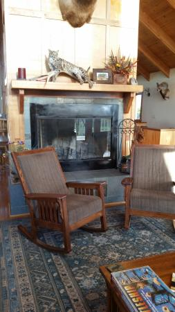 Sargent, NE: A nice sitting area with a real fireplace