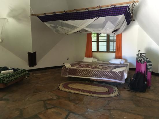 Pangani, Tanzania: Master bed of our 4 person bedroom