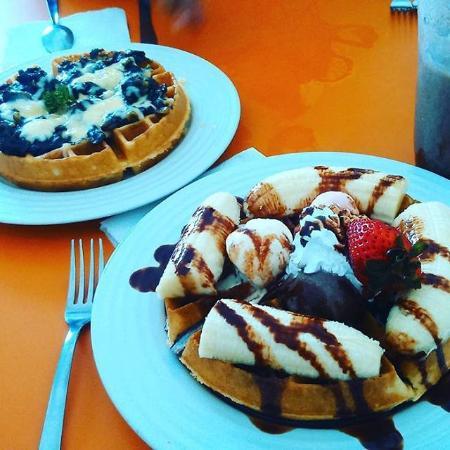 Sunrise Cafe Waffles y Almuerzos
