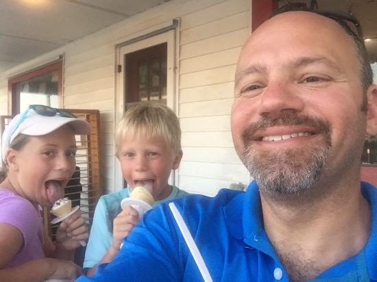 Squigley's Ice Cream & Treats : photo0.jpg