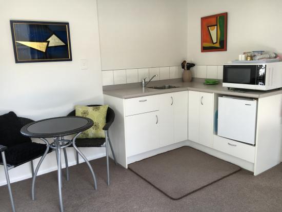 Absolute Waterfront: kitchenette waterside unit
