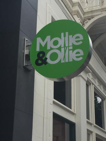 Mollie & Ollie
