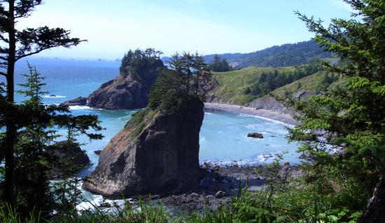 Brookings, Орегон: short walk from arch rock viewpoint, milepost 344.8