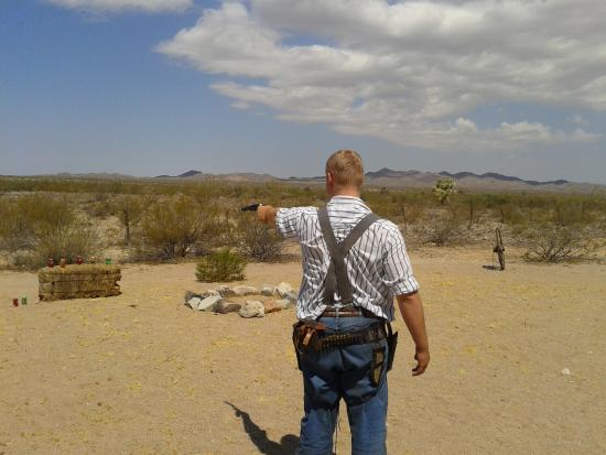 Yucca, AZ: This is how you shoot a gun - now it's your turn