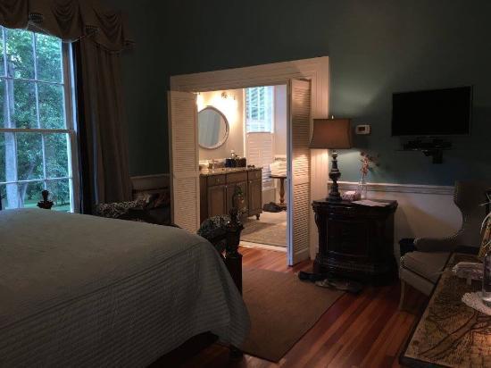 Rocky Mount, VA: The Wanderlust room
