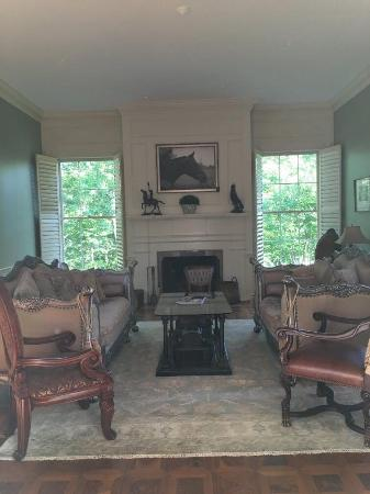 "Rocky Mount, Virginie : The ""sitting room"" as I liked to call it. Very beautiful and peaceful."