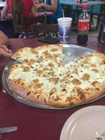 Authentic New York Pizza : Chicken Alfredo Pizza